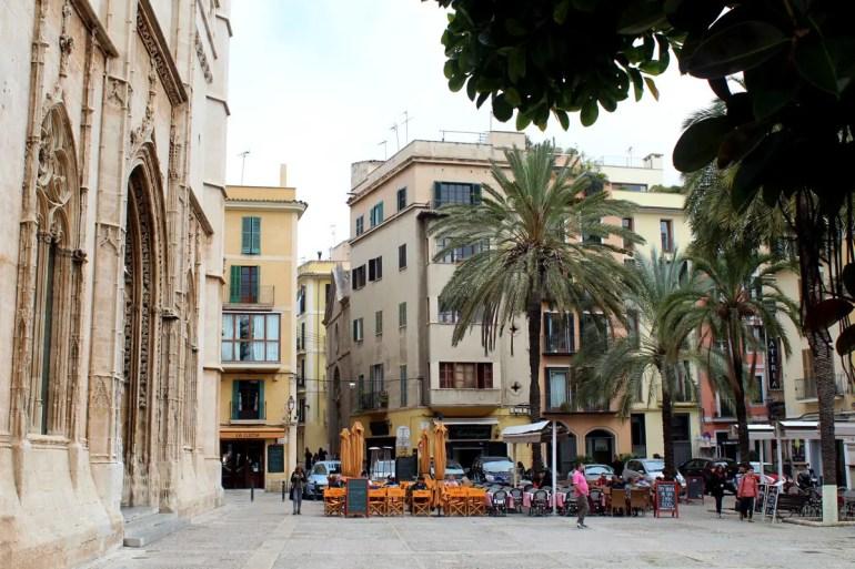 Der gotische La Lonja Palast ist Namensgeber für Palmas Ausgehviertel mit seinen vielen Bars, Cafés und Restaurants