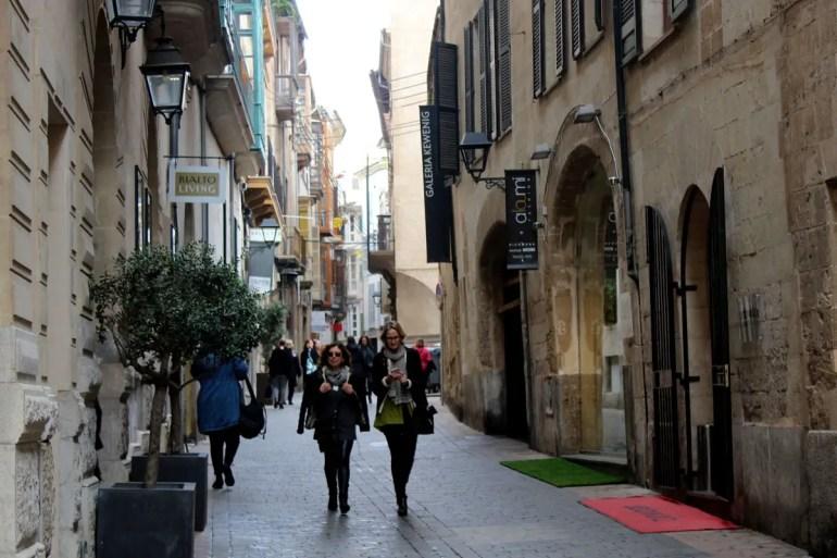 In den Altstadtgässchen rund um den Passeig del Born kannst du wunderbar bummeln
