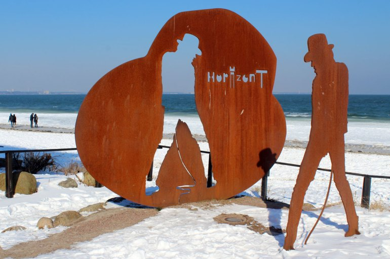 Dankeschön an den Panikrocker: Das Denkmal für Udo Lindenberg strotzt der Kälte