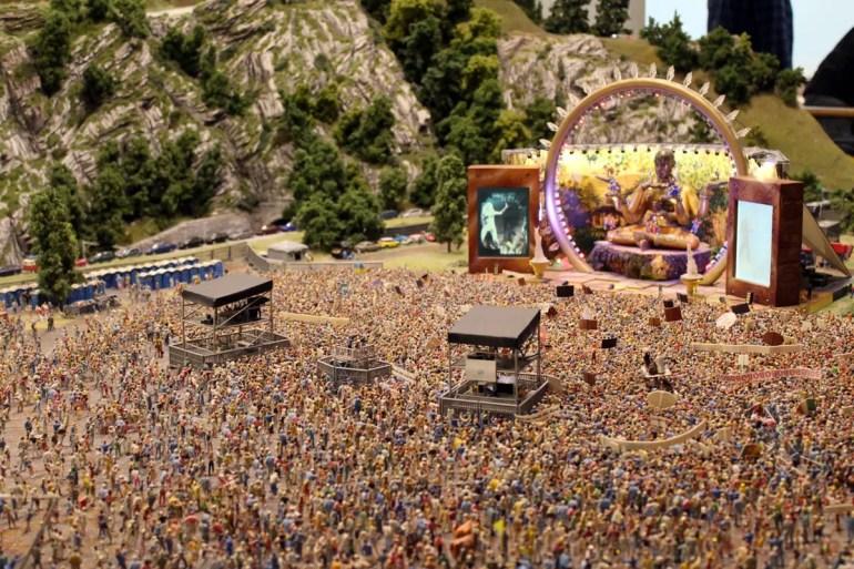 Detailarbeit: DJ Bobo begeistert mehr als 20.000 Miniaturfans