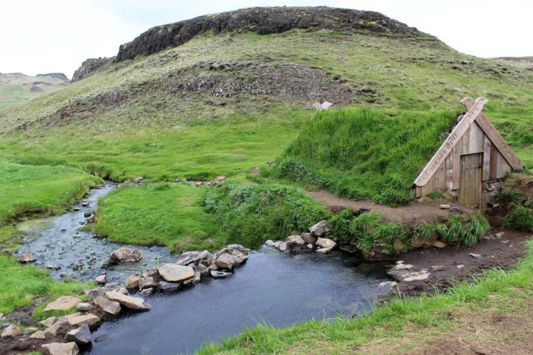 Hrunalaug ist ein idyllisches Plätzchen im Nirgendwo