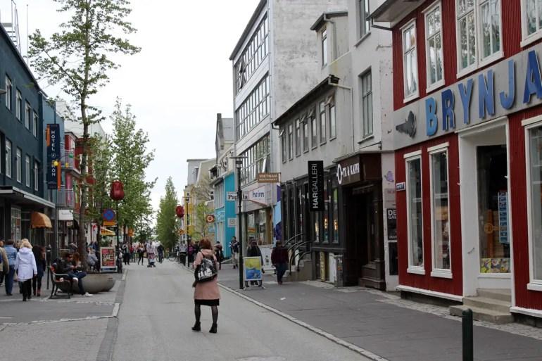 Die Laugavegur ist Reykjavíks wichtigste Einkaufsstraße