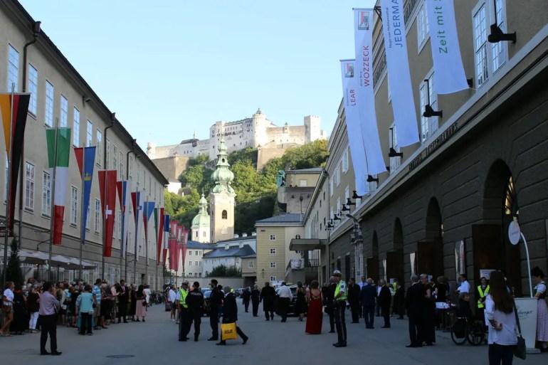 Die Salzburger Festspiele bringen jedes Jahr im Juli und August Musikfans aus aller Welt nach Salzburg