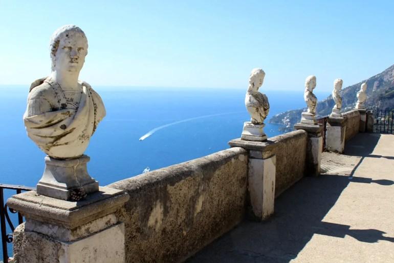Atemberaubend: der Ausblick von der Terrazza dell'Infinito der Villa Cimbrone
