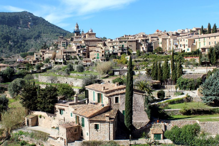 Valldemossa liegt mitten in den Bergen der Tramuntana