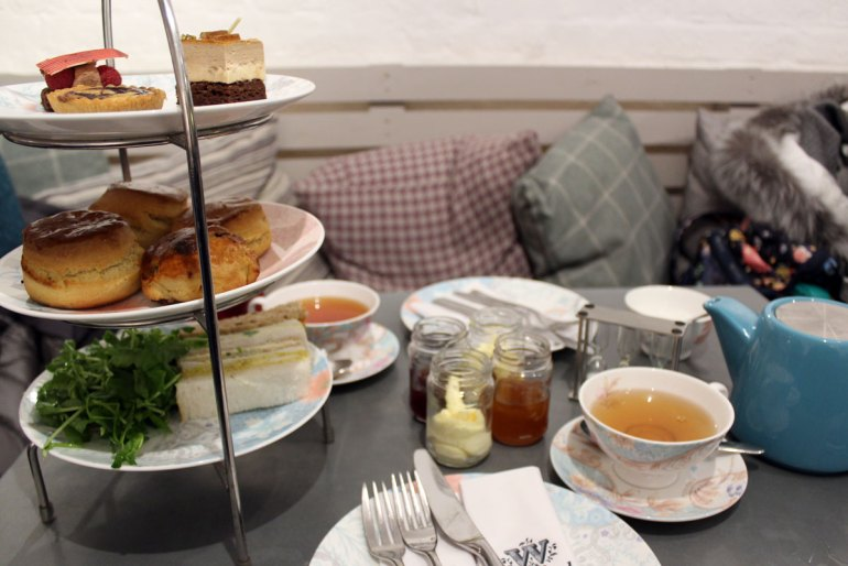 Der traditionelle Afternoon Tea darf auch in der Vorweihnachtszeit nicht fehlen
