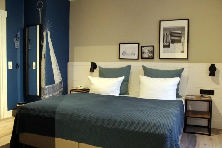 Maritimes Flair gibt's im Hotel Heimathafen auch im Zimmer