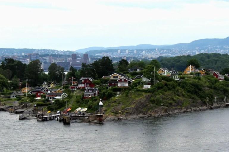Von Gressholmen hast du über die Insel Lindoya hinweg Oslo im Blick
