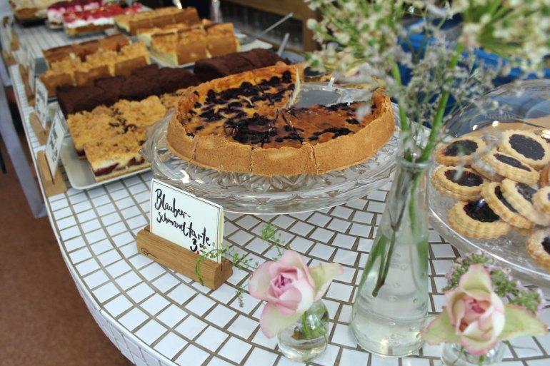 Leckerer Kuchen im Gartencafé Wiligrad