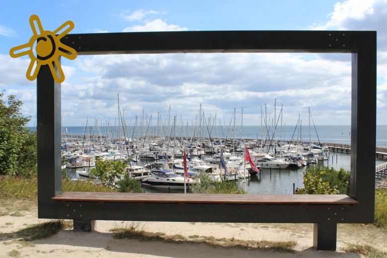 Vom Steilufer hast du einen schönen Blick über den Grömitzer Yachthafen