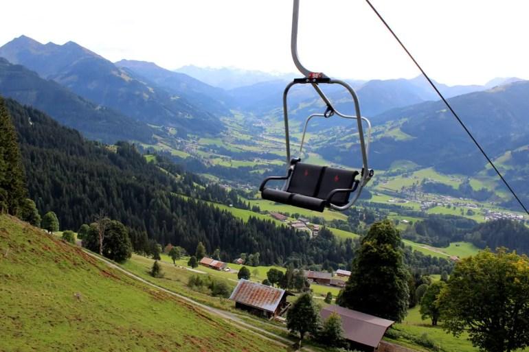 Der Sessellift zur Bichlalm bietet tolle Ausblicke