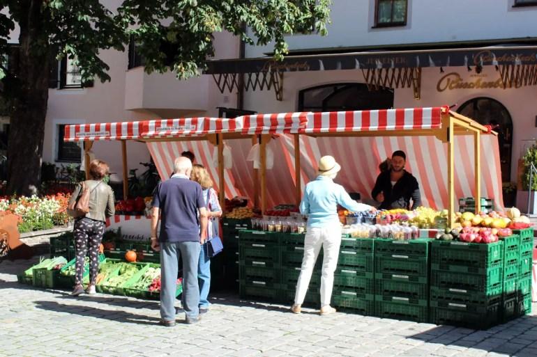 Immer samstag ist in der Kitzbüheler Hinterstadt Genussmarkt