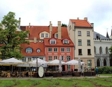Der Livenplatz zählt zu den schönsten Plätzen in Rigas Altstadt
