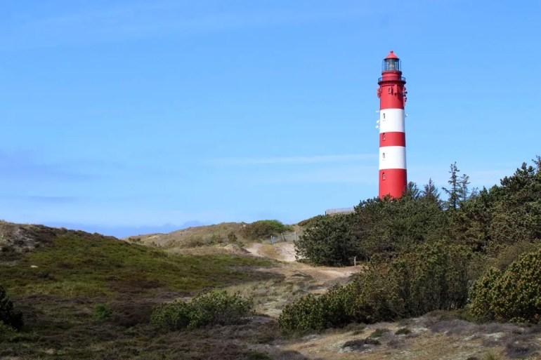 Der Leuchtturm ist das Wahrzeichen von Amrum
