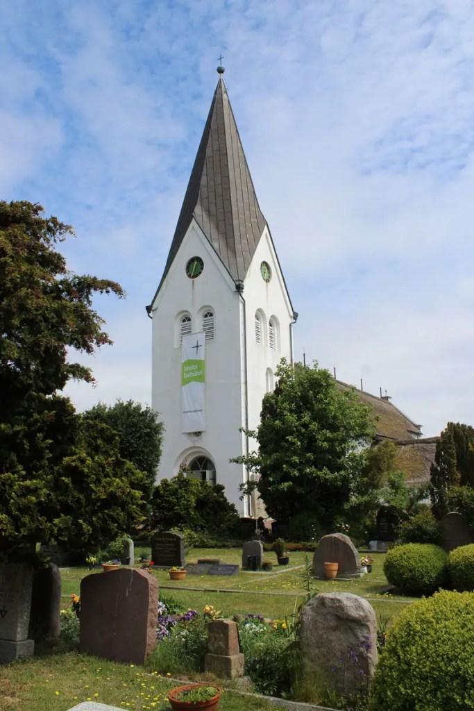Die St.-Clemens-Kirche in Nebel