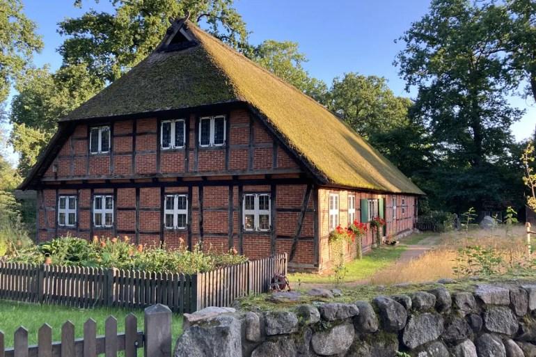 Hübisch: das Heimatmuseum Dat Ole Huus in Wilsede