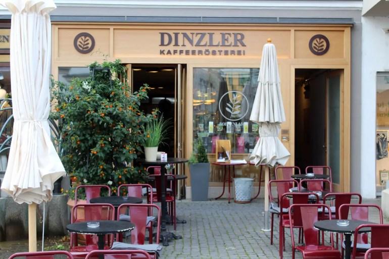 Die Kaffeerösterei Dinzler kommt aus Rosenheim und hat ein Café in der Altstadt