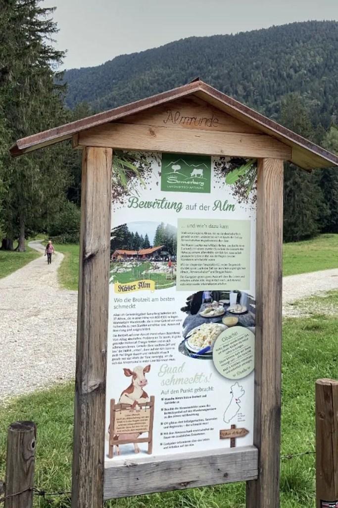 Die Almrunde des Samberberger Landwirtschaftsweg führt dich auch zur Käser Alm