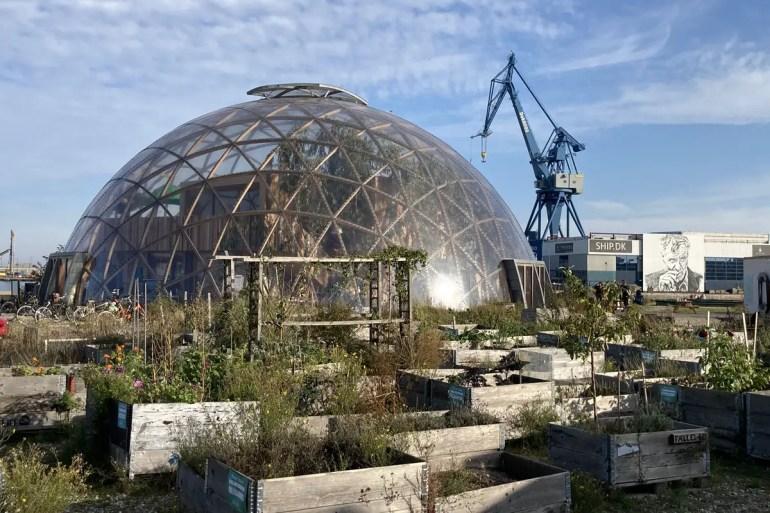 Der Dome of Visions im Hafen ist nicht nur ein Hingucker, sondern auch Beispiel einer nachhaltigen, alternativen Konstruktion