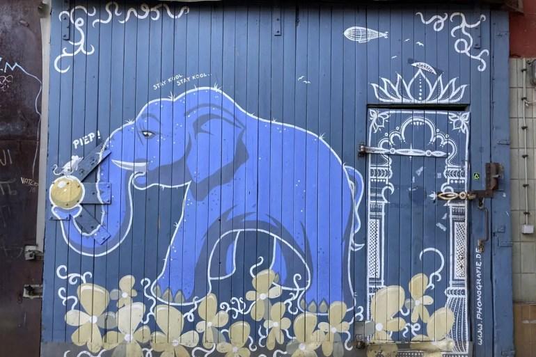 Im Feinkost Innenhof findest du bunte Street Art