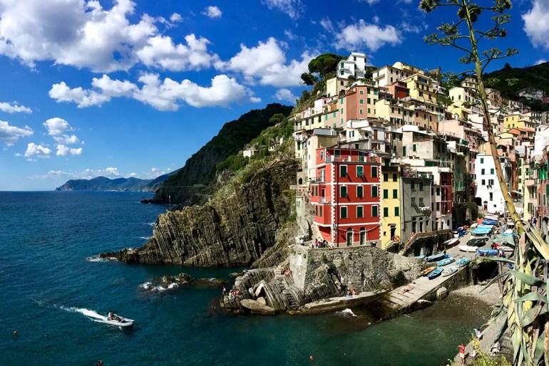 Die Cinque Terre gehören zu den Must-Dos auf deinem Roadtrip durch Italien