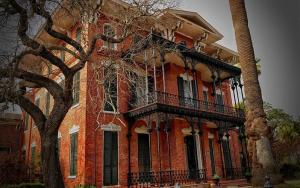 38-Real-Haunted-Houses-29
