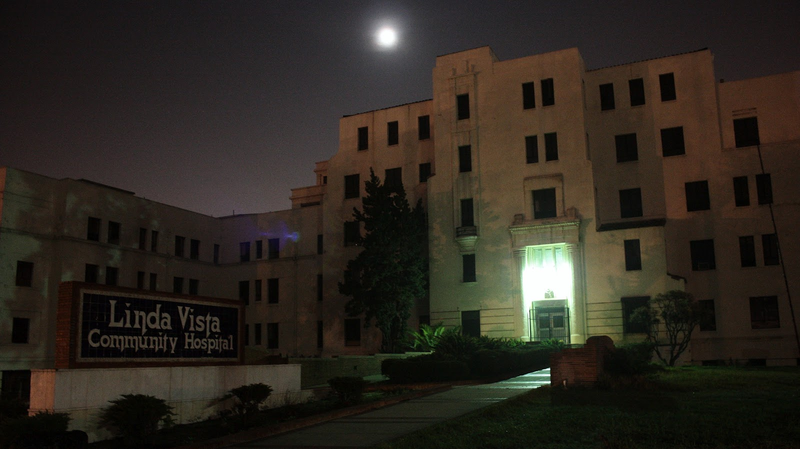 halloween haunts #1: the most haunted hospital in america the