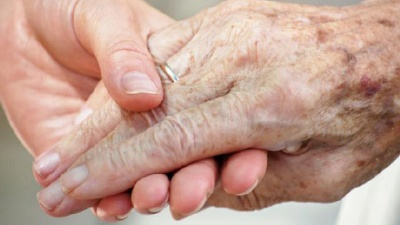 Elderly-senior-citizen-s-hand-held-by-younger-hand-jpg_20160209181503-159532