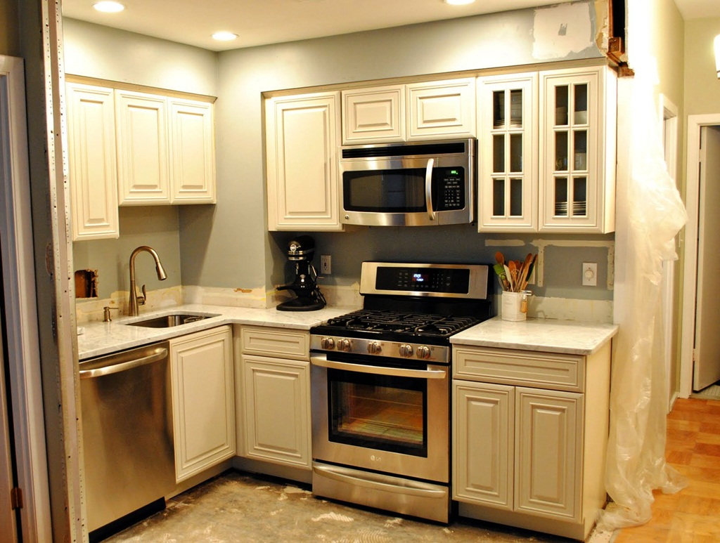 2019 Small Kitchen Design Ideas - Compact But Stylish on Small Kitchen Remodeling Ideas  id=88142