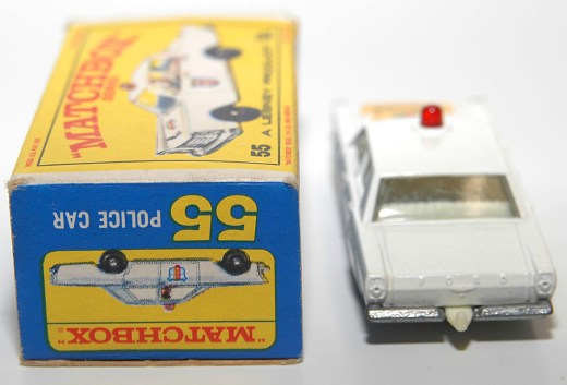 Matchbox-Vintage-55C-Ford-Galaxie-Police-Car-White-05