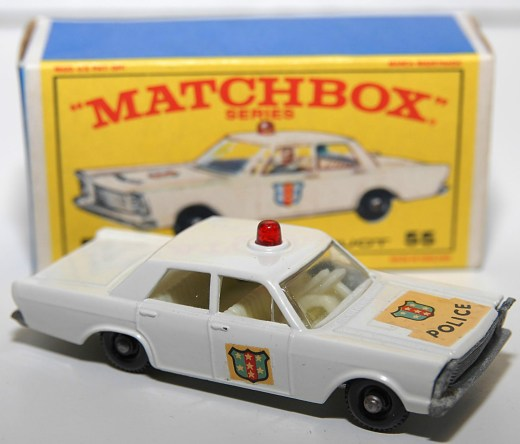 Matchbox-Vintage-55C-Ford-Galaxie-Police-Car-White-08