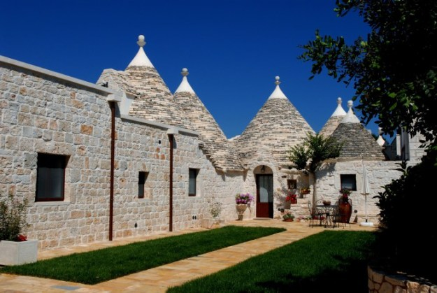 Imagines to live in a Trullo 01