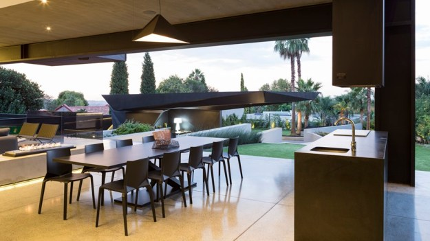 Kloof Road House by Nico van der Meulen Architects 09