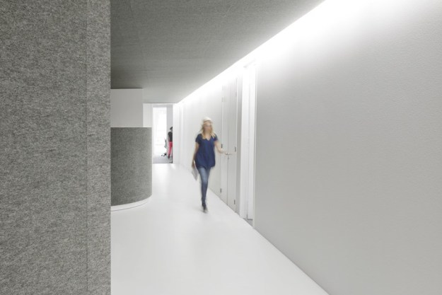 Office 04 by i29 interior architects 10