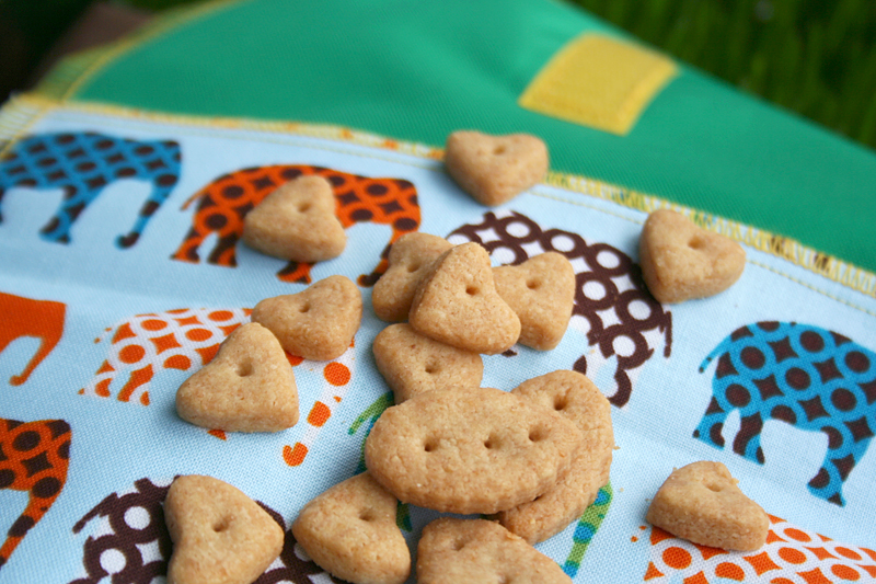 Easy, Whole Wheat Einkorn Cheddar Crackers + Giveaway!