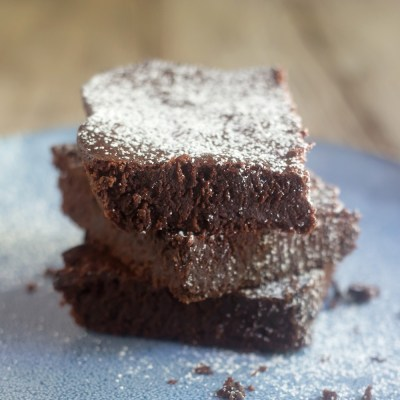 Gluten-Free Almond Flour Fudge Brownies | myhumblekitchen.com