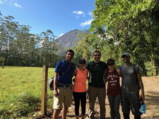 Group photo - hiking in Arenal