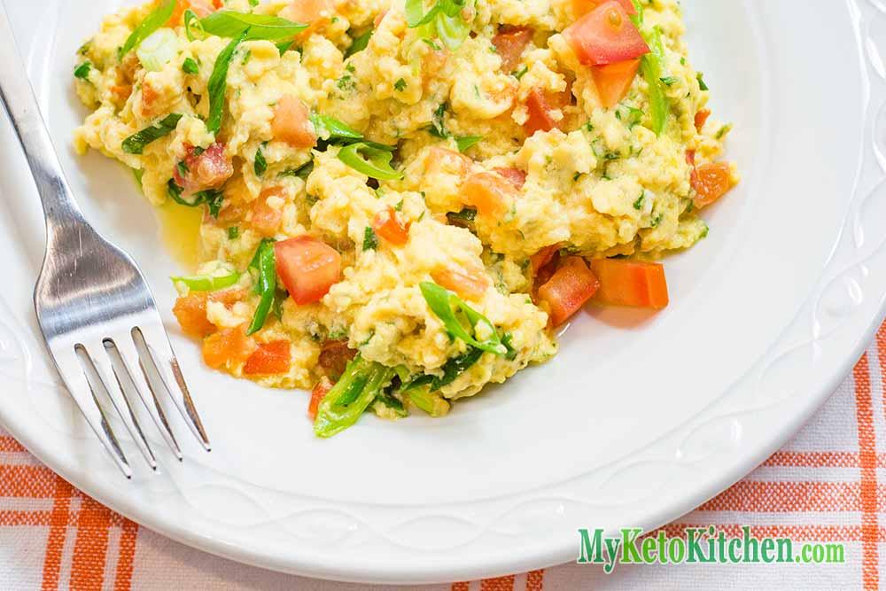 Low Carb Spicy Salsa Scrambled Eggs