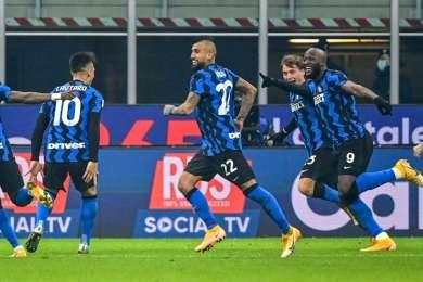 Inter 2-0 Juventus: Vidal and Barella dent Pirlo's title defence