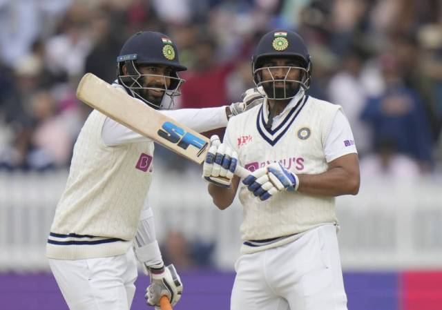 Role reversals for Bumrah and Shami as they play redefining knock with the bat