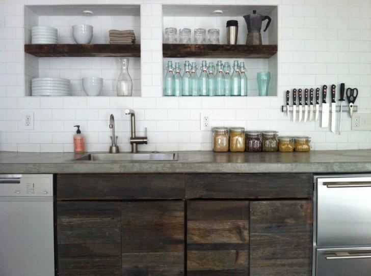 Modern Urban Kitchen Counter Design