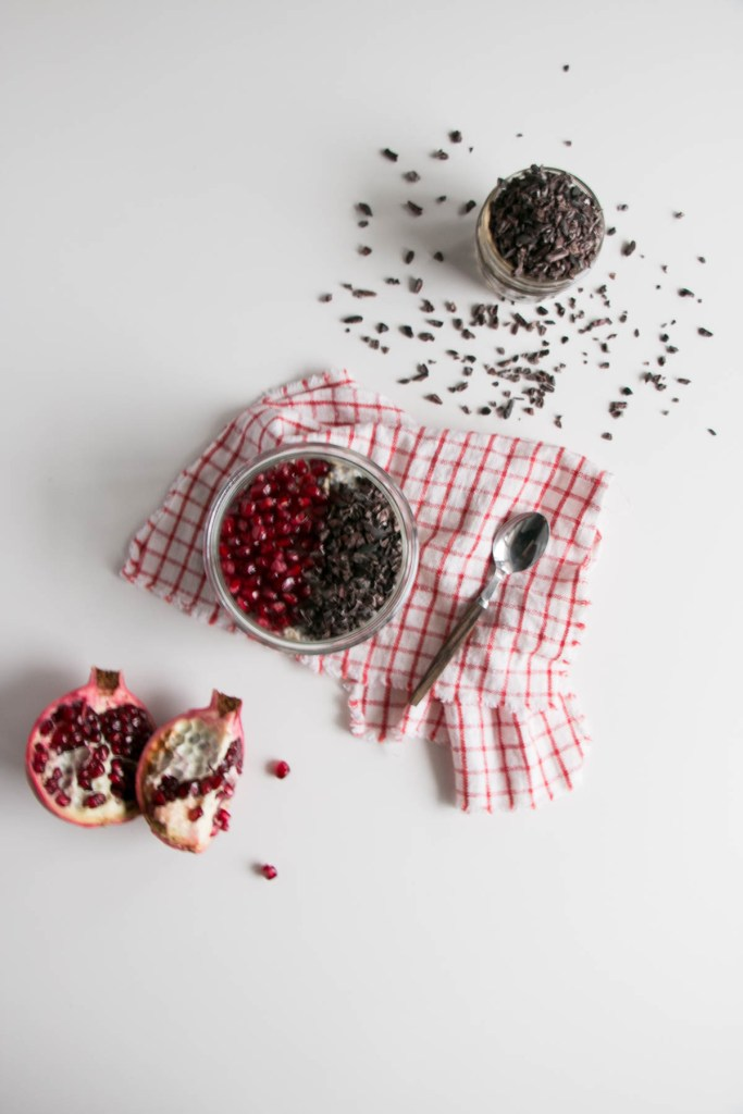 Overnight Oats with Pomegranate and Chocolate