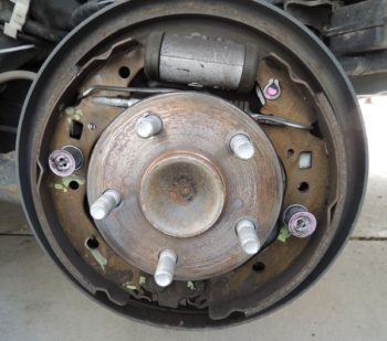 How to adjust drum brakes