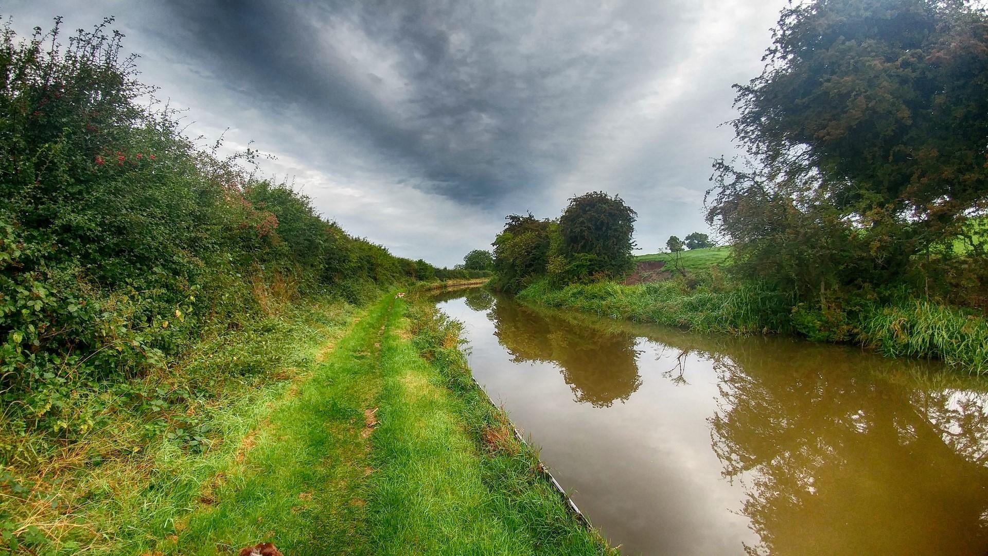 Macclesfield canal close to bridge 52