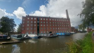 hovis mill besides the Macclesfield Canal - mykp.co.uk