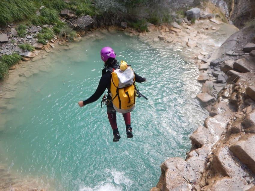 canyoning en corse - saut eau