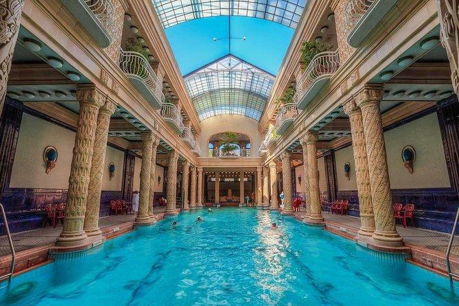 La plus belle piscine du monde - Hongrie
