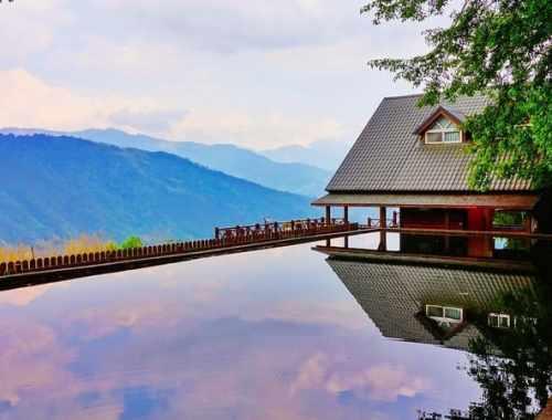 les plus belles piscines du monde - cover piscine et nature