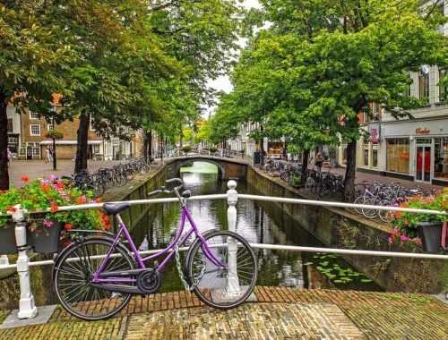 Il est possible de découvrir de nombreuses villes à vélo : découvrez lesquelles !