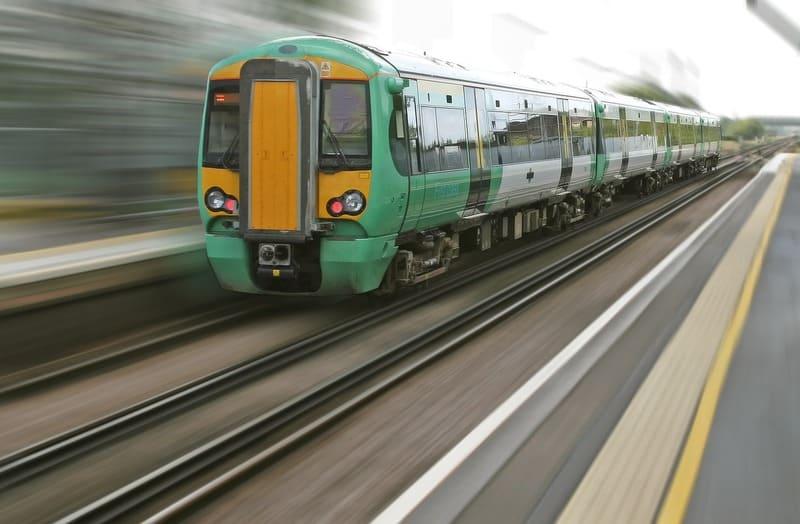 greve des trains - train vitesse flou